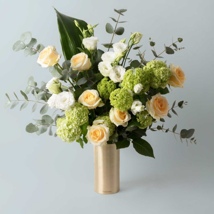L'Orelio - with Vase - Bouquet - Flowerbag Collection - PANAMY Flowers Switzerland